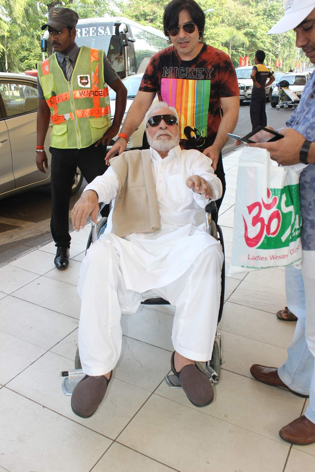 kader khan news