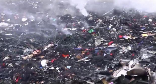 malaysia airlines crash debris - photo #28
