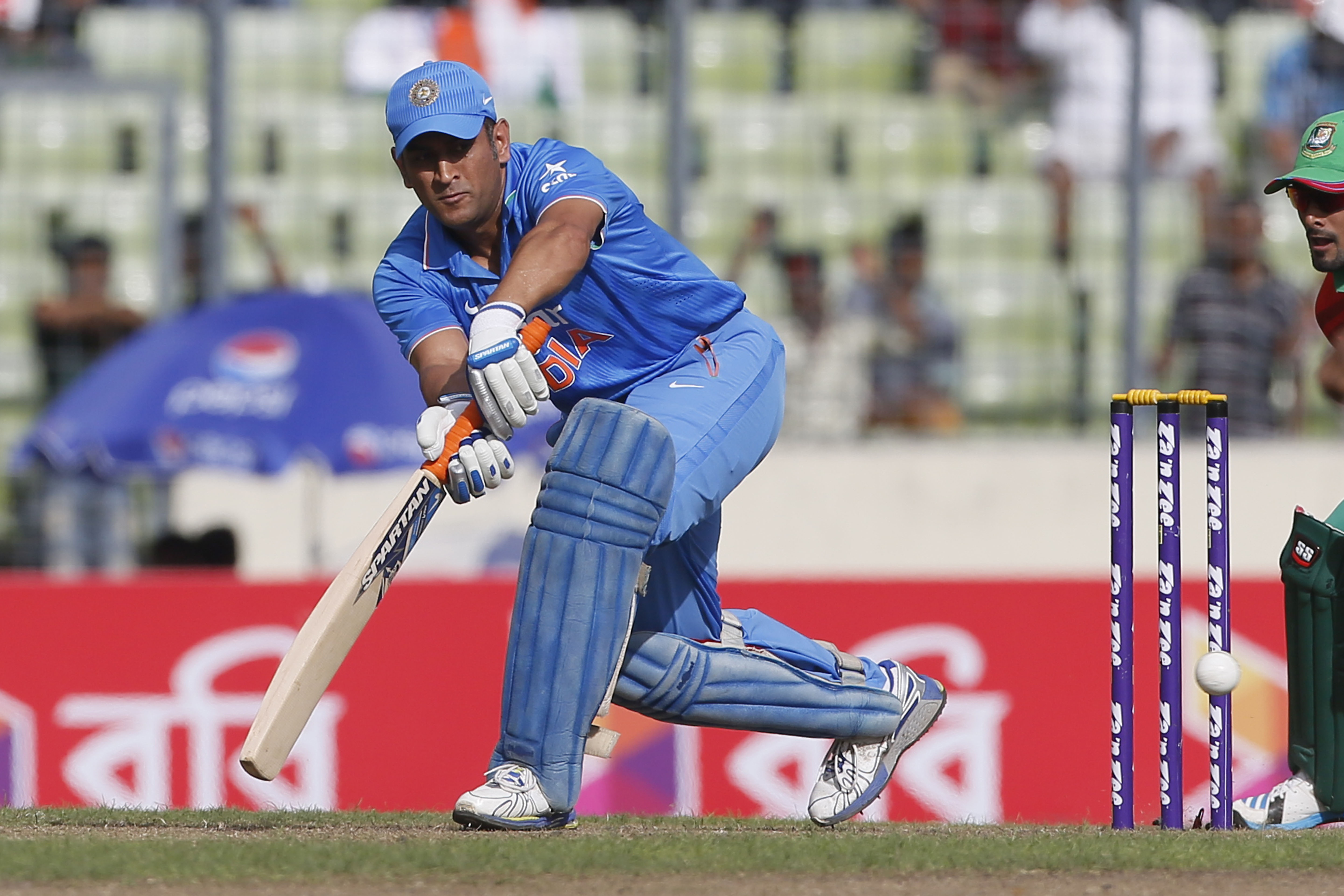 Indian cricket player dhoni