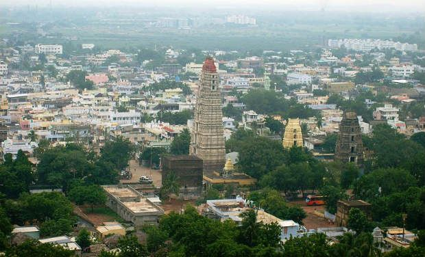 Mangalagiri town in Vijayawada. (Photo: Gladiatorkp via Wikimedia Commons).