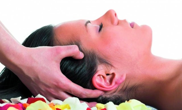Rejuvenating oil massage