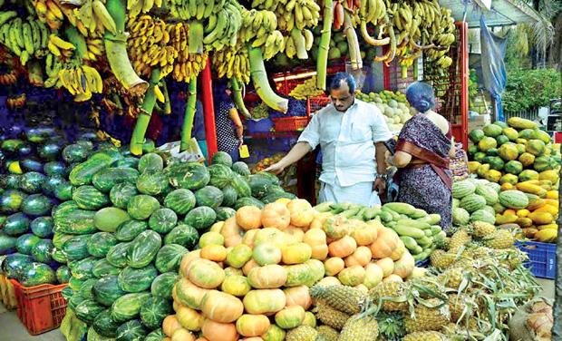 Check on toxic vegetables, fruitsKerala Vegetable Market
