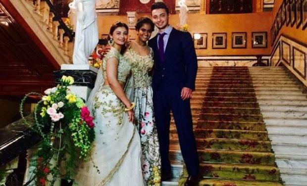 Wedding Take Away Gifts: Inside Pictures Of Arpita Khan's Big Royal Wedding, The
