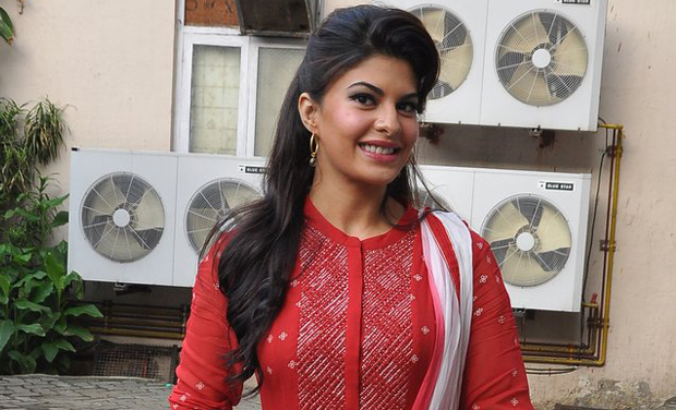 jacqueline fernandez is all smiles for the camera