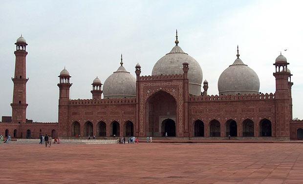 essay on badshahi mosque We will write a custom essay sample on minar-e-pakistan or any similar topic specifically for you badshahi mosque: • the badshahi mosque (urdu: ,.