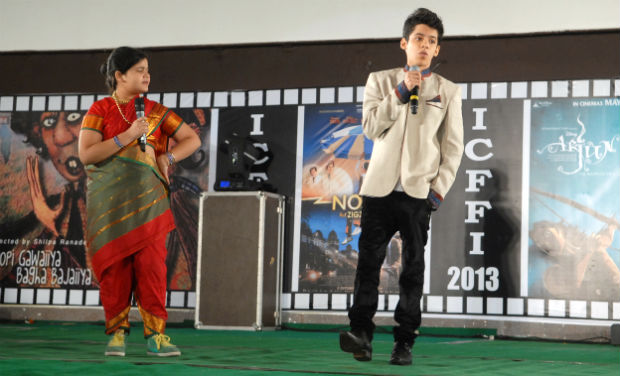 Saloni Daini and Darsheel Safary anchor the inaugural function of the 18th International Children Film Festival.