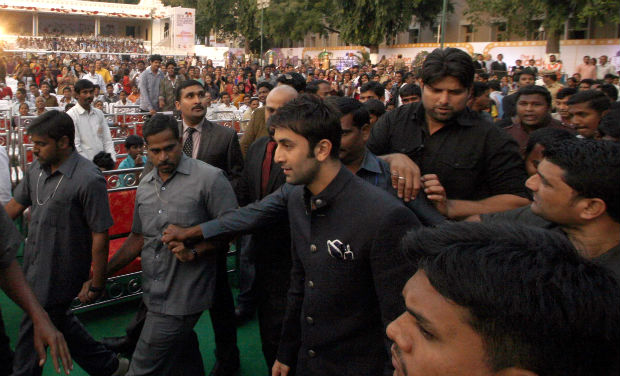 Ranbir Kapoor is mobbed by fans as he arrives at the inaugural function of 18th International Children's Film Festival of India.
