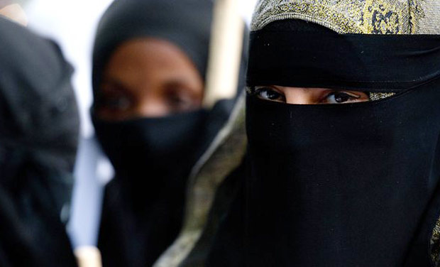 Saudi Women In Niqab | www.pixshark.com - Images Galleries ...