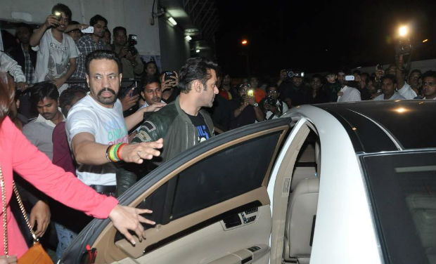 Salman Khan at the screening of the movie, 'Sholay 3D', he also took the opportunity to promote his upcoming movie, 'Jai Ho'.