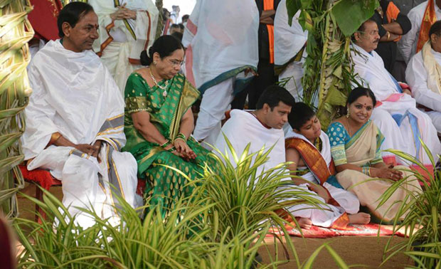 Union ministers M Venkaiah Naidu and Bandaru Dattatreya, Supreme Court judge Justice J Chamaleshwar and several other prominent persons on Thursday attended the 'yagam'.