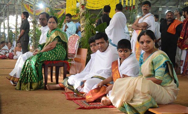 Several religious gurus, including Sri Tridandi Chinna Jeeyar Swamy and Swami Paripoornanda, also attended the event at Erravelli village in neighbouring Medak district.