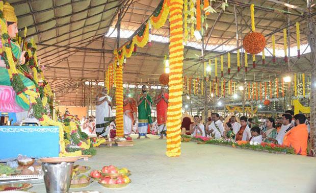 Maharashtra Governor Ch VidyasagarRao and Andhra Pradesh Assembly Speaker K Siva Prasad Rao on Friday attended the five-day 'Ayutha Maha Chandi Yagam' being performed by Telangana Chief Minister K Chandrasekhar Rao at his farm house.