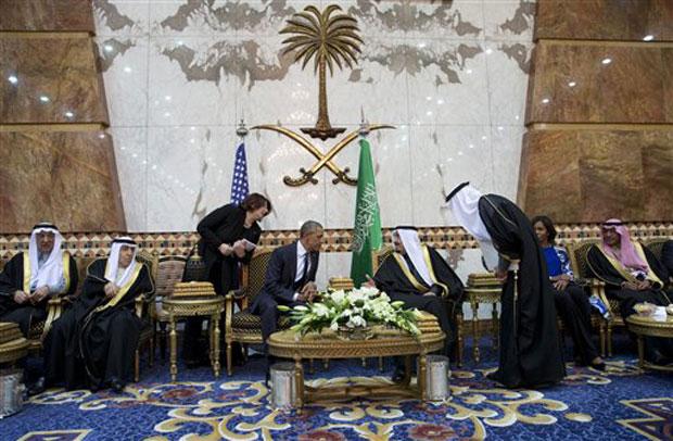 Michelle Obama Forgoes Headscarf In Saudi Arabia Sparks Controversy
