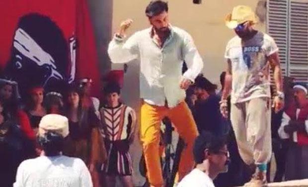 First Look: Ranbir Kapoor's new edgy hairstyle in 'Tamasha'