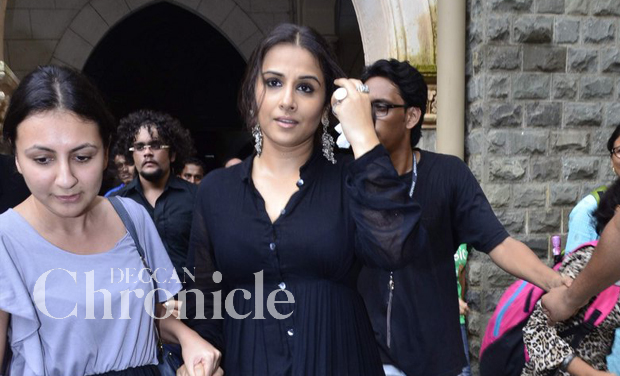 Vidya Balan recently unveiled a special cane for the visually impaired at Xaviers college  Mumbai Deccan Chronicle